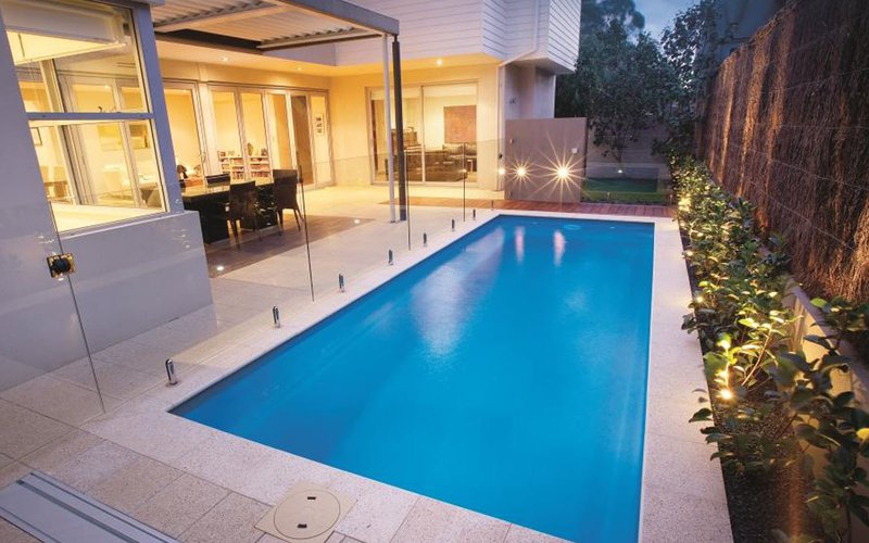 <div class='closebutton' onclick='return hs.close(this)' title='Close'></div><div class='firstH'><img src='images/logo-white-small.png'></div><h1>LA Vista</h1><p>The LA Vista in-ground fiberglass pool by Riviera Fiberglass Pools Offered by Fun and Fit Pools and Spas (Photo #001). <p>Available Sizes :</p><ul><li>40' x 15' 8''</li><li>35' x 15' 8''</li><li>31' 2'' x 15' 8''</li></ul><p>&nbsp;</p><p>The sizes are below. Some of them are not useable at the moment because we do not have photos for those models but we will have soon.</p> </p><div class='getSocial'><h1>Share</h1><p class='photoBy'>Photo by Fun and Fit Pools and Spas</p><iframe src='http://www.facebook.com/plugins/like.php?href=http%3A%2F%2Ffunandfitpools.com%2Fimages%2Fgalleries%2Fin-ground-pools%2Fla-vista%2Fwm%2F001.jpg&amp;send=false&amp;layout=button_count&amp;width=100&amp;show_faces=false&amp;action=like&amp;colorscheme=light&amp;font&amp;height=21' scrolling='no' frameborder='0' style='border:none; overflow:hidden; width:100px; height:21px;' allowTransparency='true'></iframe><br><a href='http://pinterest.com/pin/create/button/?url=http%3A%2F%2Fwww.funandfitpools.com&amp;media=http%3A%2F%2Fwww.funandfitpools.com%2Fimages%2Fgalleries%2Fin-ground-pools%2Fla-vista%2Fwm%2F001.jpg&amp;description=Pools' data-pin-do='buttonPin' data-pin-config=\'above\'><img src='http://assets.pinterest.com/images/pidgets/pin_it_button.png' /></a><br></div>